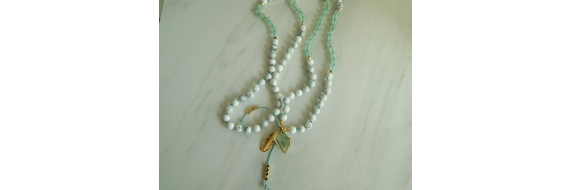 Howlite and green fluorite mala necklace